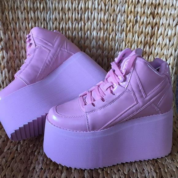 5a67be0ad3ee 💕NIB YRU Qozmo Pink Platform Sneaker Shoe 💕